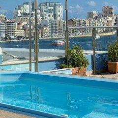 Отель 115 The Strand Aparthotel Мальта, Гзира - отзывы, цены и фото номеров - забронировать отель 115 The Strand Aparthotel онлайн бассейн