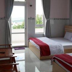 Queen Bee Hostel Далат комната для гостей