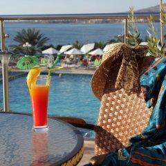 Queen's Bay Hotel бассейн фото 2