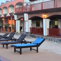Отель Palm Beach Resort бассейн