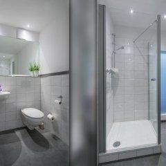 Отель CVJM Hotel am Wollmarkt Германия, Брауншвейг - отзывы, цены и фото номеров - забронировать отель CVJM Hotel am Wollmarkt онлайн ванная фото 2