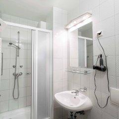Отель Corvin Hotel Budapest - Sissi wing Венгрия, Будапешт - 2 отзыва об отеле, цены и фото номеров - забронировать отель Corvin Hotel Budapest - Sissi wing онлайн ванная