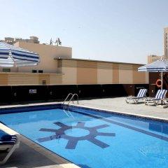 Royal Ascot Hotel Apartment бассейн фото 2