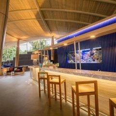 Отель Holiday Inn Express Krabi Ao Nang Beach Таиланд, Ао Нанг - отзывы, цены и фото номеров - забронировать отель Holiday Inn Express Krabi Ao Nang Beach онлайн гостиничный бар