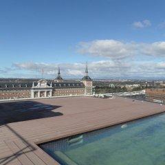 Отель Exe Moncloa Мадрид бассейн