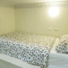 Отель Phuket Airport Suites & Lounge Bar - Club 96 Стандартный номер с различными типами кроватей фото 3