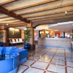 Hotel La Perla Del Golfo Проччио интерьер отеля