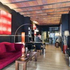 Апартаменты Aspasios Las Ramblas Apartments гостиничный бар