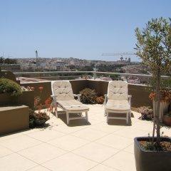 Отель Three Cities Apartments Мальта, Гранд-Харбор - отзывы, цены и фото номеров - забронировать отель Three Cities Apartments онлайн балкон
