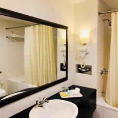 Отель REGALPARK Hotel Kuala Lumpur Малайзия, Куала-Лумпур - отзывы, цены и фото номеров - забронировать отель REGALPARK Hotel Kuala Lumpur онлайн ванная