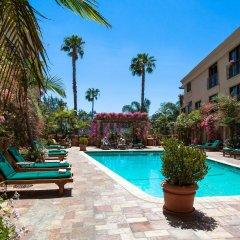 Отель Best Western PLUS Sunset Plaza США, Уэст-Голливуд - отзывы, цены и фото номеров - забронировать отель Best Western PLUS Sunset Plaza онлайн бассейн