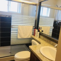 Отель Vancouver Home Inn by Elevate Rooms Канада, Бурнаби - отзывы, цены и фото номеров - забронировать отель Vancouver Home Inn by Elevate Rooms онлайн ванная