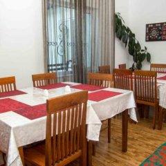 Отель Sweet House Guest house Кыргызстан, Каракол - отзывы, цены и фото номеров - забронировать отель Sweet House Guest house онлайн питание