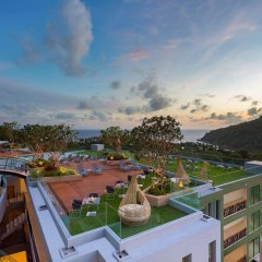 Отель Crest Resort & Pool Villas балкон