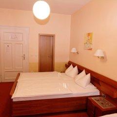 Отель PrivatHotel Probst Германия, Нюрнберг - отзывы, цены и фото номеров - забронировать отель PrivatHotel Probst онлайн комната для гостей фото 4