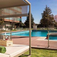 Отель Meliá Barajas бассейн