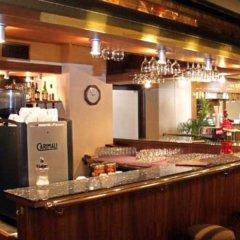 Hotel ILF гостиничный бар