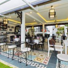 Отель Riverside Impression Homestay Villa гостиничный бар