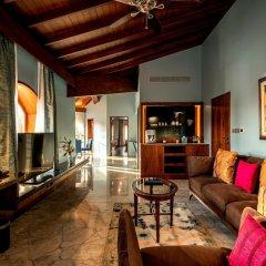 Отель Kenilworth Beach Resort & Spa Индия, Гоа - 1 отзыв об отеле, цены и фото номеров - забронировать отель Kenilworth Beach Resort & Spa онлайн интерьер отеля фото 2