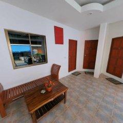 Отель Tik's Place комната для гостей фото 2