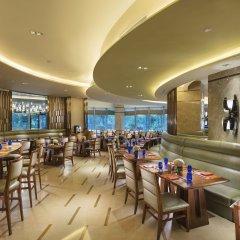 Отель DoubleTree by Hilton Hotel Xiamen - Wuyuan Bay Китай, Сямынь - отзывы, цены и фото номеров - забронировать отель DoubleTree by Hilton Hotel Xiamen - Wuyuan Bay онлайн гостиничный бар