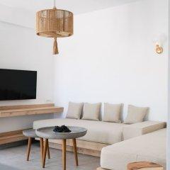 Отель Alafropetra Luxury Suites Греция, Остров Санторини - отзывы, цены и фото номеров - забронировать отель Alafropetra Luxury Suites онлайн комната для гостей фото 4