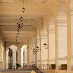 Отель Four Seasons Hotel Baku Азербайджан, Баку - 5 отзывов об отеле, цены и фото номеров - забронировать отель Four Seasons Hotel Baku онлайн интерьер отеля фото 3