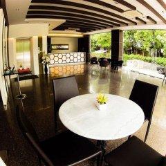 Отель Tribe Hotel Pattaya Таиланд, Чонбури - отзывы, цены и фото номеров - забронировать отель Tribe Hotel Pattaya онлайн гостиничный бар