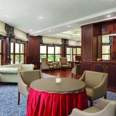 Гостиница Рамада Алматы гостиничный бар