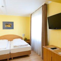 Отель Parkhotel im Lehel Германия, Мюнхен - 1 отзыв об отеле, цены и фото номеров - забронировать отель Parkhotel im Lehel онлайн удобства в номере фото 2