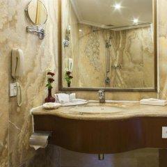 Отель The Royal Plaza Индия, Нью-Дели - отзывы, цены и фото номеров - забронировать отель The Royal Plaza онлайн ванная фото 2