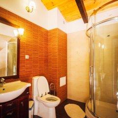 Гостиница Jaunty Riders Hostel в Красной Поляне 1 отзыв об отеле, цены и фото номеров - забронировать гостиницу Jaunty Riders Hostel онлайн Красная Поляна ванная