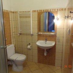 Гостиница Альпийский Двор Украина, Волосянка - 1 отзыв об отеле, цены и фото номеров - забронировать гостиницу Альпийский Двор онлайн ванная