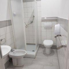 Отель New Moon Guesthouse Италия, Рим - отзывы, цены и фото номеров - забронировать отель New Moon Guesthouse онлайн ванная фото 2