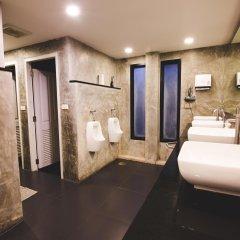 D Hostel Bangkok Бангкок ванная
