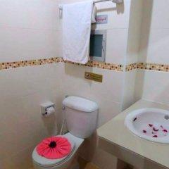 Отель Thana Patong Guesthouse ванная