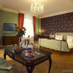 Отель Heliopark Bad Hotel Zum Hirsch Германия, Баден-Баден - 3 отзыва об отеле, цены и фото номеров - забронировать отель Heliopark Bad Hotel Zum Hirsch онлайн комната для гостей фото 4