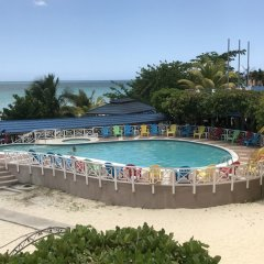 Отель Negril Tree House Resort бассейн