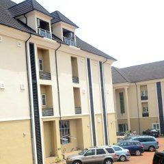 Отель Ritz-Carinton Suites Нигерия, Энугу - отзывы, цены и фото номеров - забронировать отель Ritz-Carinton Suites онлайн парковка