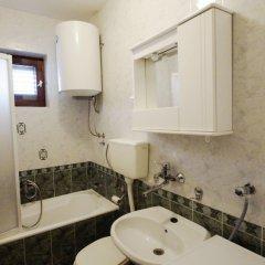 Отель Glomazic Черногория, Будва - отзывы, цены и фото номеров - забронировать отель Glomazic онлайн ванная
