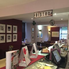 The Salisbury Hotel гостиничный бар