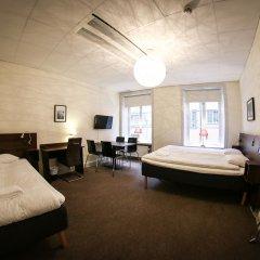 Отель Castle House Inn Стокгольм сейф в номере