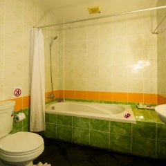 Отель JR Siam Kata Resort ванная фото 2