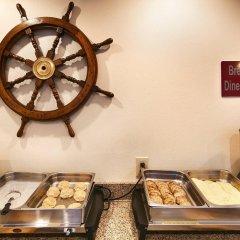 Отель Best Western Lakewood Inn сауна