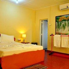 Отель French Garden Tourist Rest Анурадхапура удобства в номере фото 2
