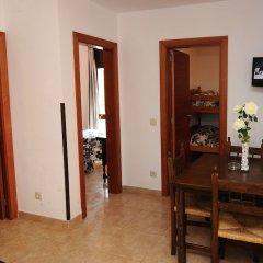 Отель Apartaments AR Caribe Испания, Льорет-де-Мар - отзывы, цены и фото номеров - забронировать отель Apartaments AR Caribe онлайн комната для гостей