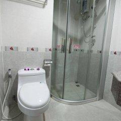 Отель CNR House Hotel Таиланд, Бангкок - отзывы, цены и фото номеров - забронировать отель CNR House Hotel онлайн ванная фото 2