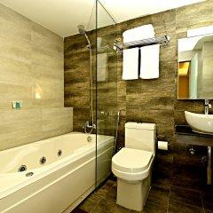 Отель The Milestone Hotel Непал, Катманду - отзывы, цены и фото номеров - забронировать отель The Milestone Hotel онлайн ванная