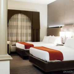 Holiday Inn Express Hotel & Suites Pittsburgh-South Side комната для гостей фото 2