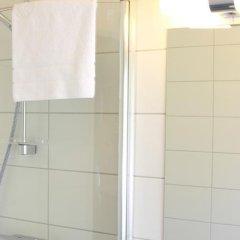 Отель Flygplatshotellet Швеция, Харрида - отзывы, цены и фото номеров - забронировать отель Flygplatshotellet онлайн ванная